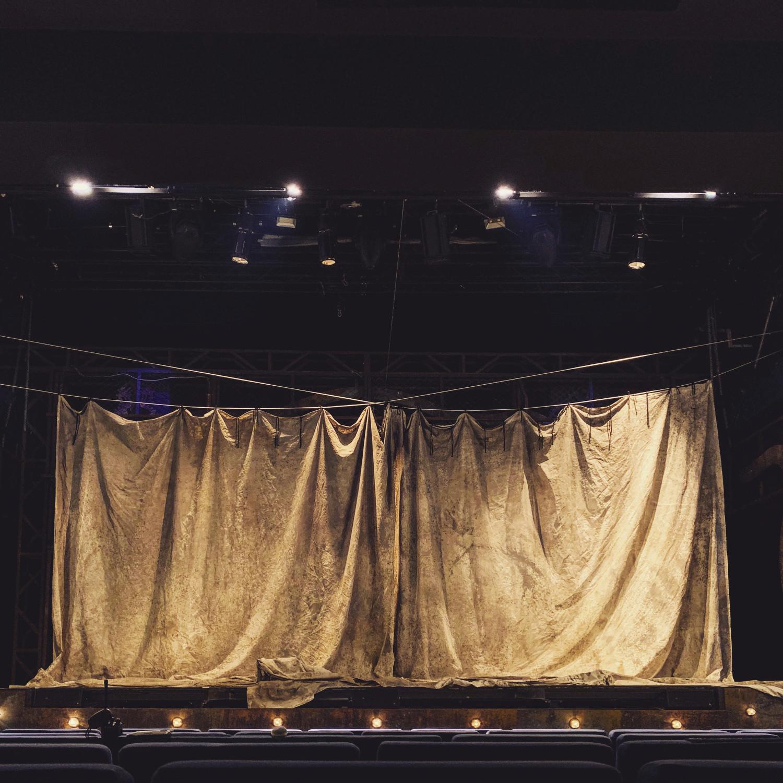 Pippin, scenografia Mariusza Napierały, Teatr Muzyczny w Poznaniu 2019, fot. Mariusz Napierała