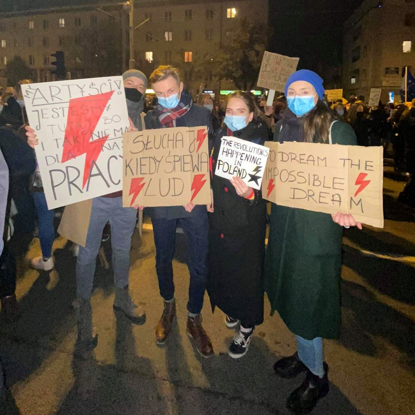 Studenci gdańskiej Akademii Muzycznej podczas strajku kobiet